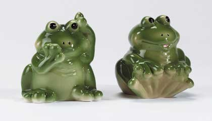 34031 Frog Salt and Pepper Shakers