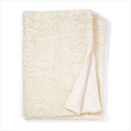 37034 White Faux Fur Blanket (Full)