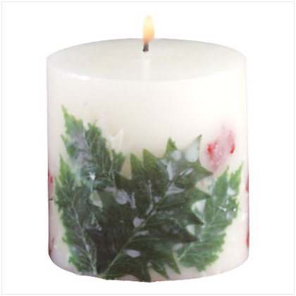 33544 Holly And Berries Pillar Candle