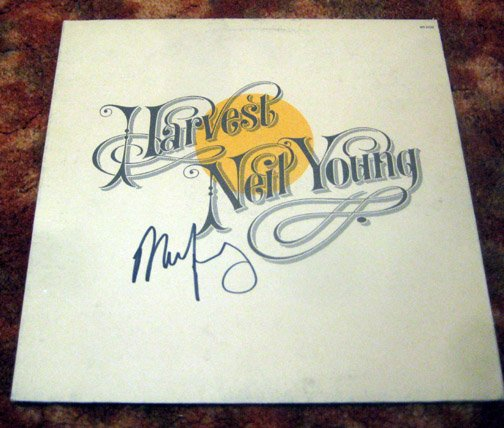 """NEIL YOUNG    autographed   SIGNED  """" Harvest """"  RECORD      *proof"""