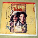 "ROBIN WILLIAMS   dustin hoffman   JULIA ROBERTS   autographed     "" HOOK ""     laser  disc  !"