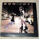 BON JOVI    autographed     SIGNED       1st   RECORD        *proof