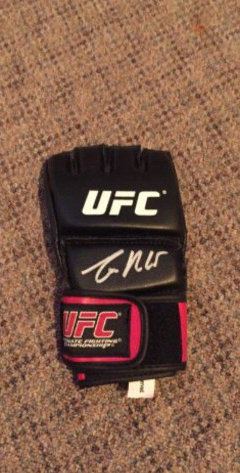 CONOR McGREGOR  signed AUTOGRAPHED ufc Glove