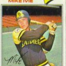 1977 Topps 325 Mike Ivie