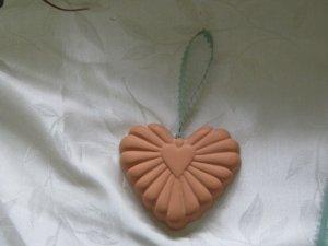 Terracotta Aromatized Ribbed Heart