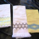 Vintage Finger Tip Huck Towels Embroidered Edging