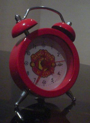 MANCHESTER UNITED DESK CLOCK | FOOTBALL GIFTS