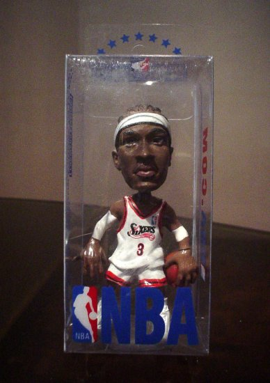 NBA XMAS GIFT: IVERSON MINIATURE TOY MODEL