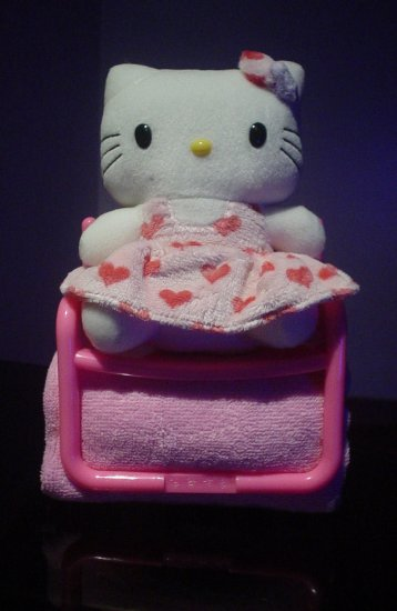 Hello Kitty Bath Towel Holder Set