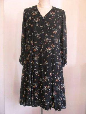 Black floral V neck 3/4 sleeves knitted dress sz S