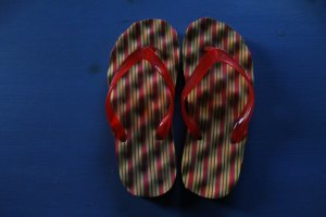LADIES SANDAL FLIP FLOPS SHOES RED YELLOW sz 38
