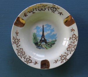 "Vintage Round Ash Tray Eiffel Tower Gold Decorations 4.5"" Diameter"