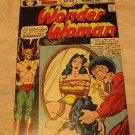 Wonder Woman #221 (Dec 1975-Jan 1976, DC)