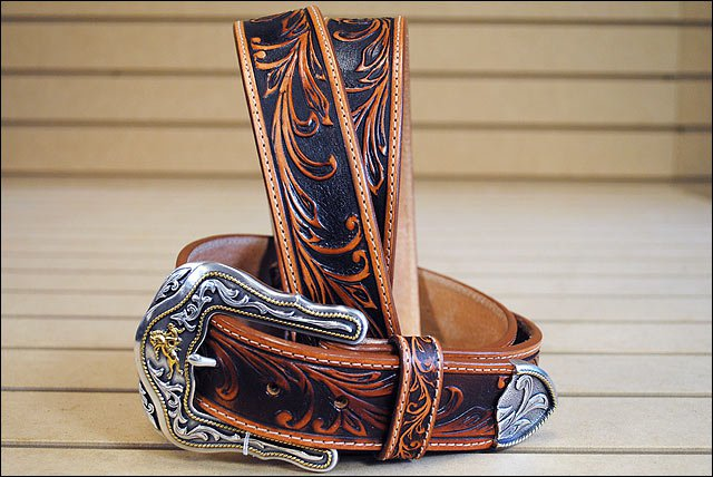 42in. TONY LAMA TOOLED LEATHER WESTERLY RIDE MEN BELT TAN MADE IN THE USA