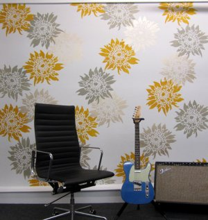 Flower stencil Chrysanthemum Grande MED, Wall Stencils for Easy Decor