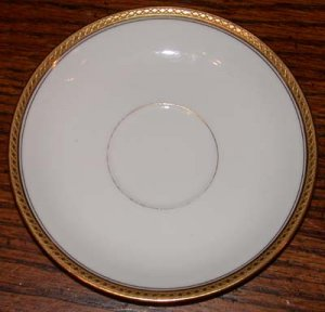 Haviland France White with Gold Trim Dinner Plate