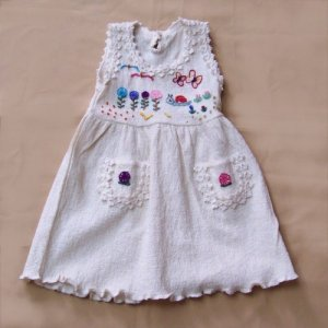 Lot of 25 dress for girls made of cotton and embroided in wool