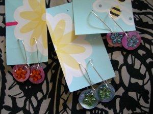 Flower dangle charm earrings