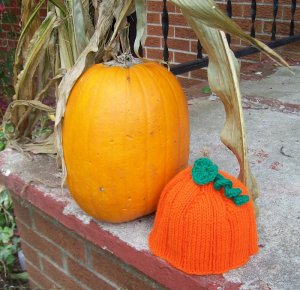 Infant, baby size Pumpkin Hat, Hand knit - Free USA Shipping!