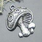 Lot of 200pcs mini Mushroom doll house miniature toy/jewelry Charm CM803
