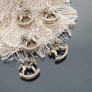 Lot of 300pcs mini Rock Horse 15 x 15mm toy/jewelry bracelet metal alloy Charm B2