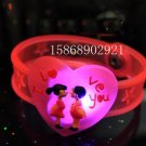 Adjustable Lot of 12pcs Love Heart Valentine Luminous bracelet bangle Party Favor LB014