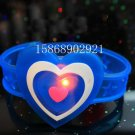 Adjustable Lot of 12pcs Love Heart Valentine Luminous bracelet bangle Party Favor LB021