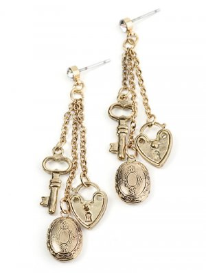 Gold tone chain link earrings