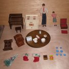 Doll House Wood Furniture 2 bendable Dollhouse Dolls