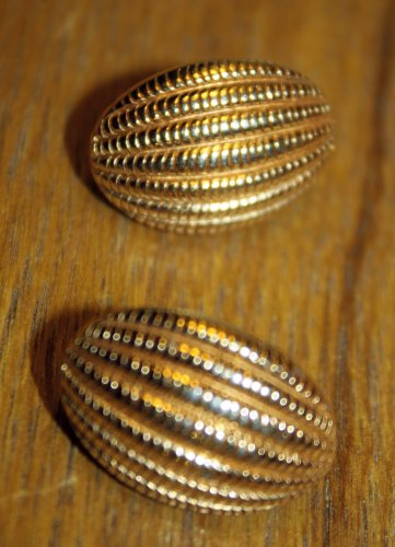 GOLD TONE MONET CLIP ON CLASSIC MODERN DESIGN EARRINGS