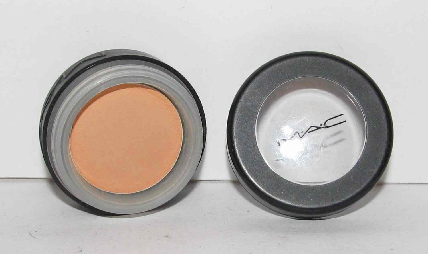 MAC - Mango Eye Shadow - HTF - RARE