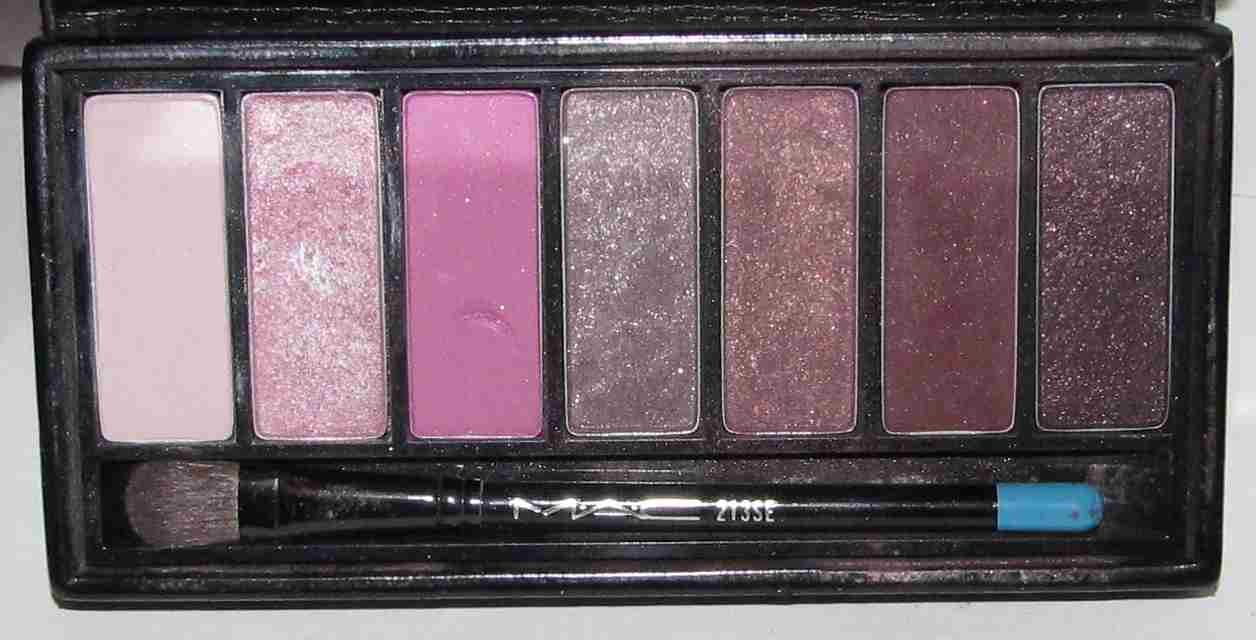 MAC - 7 Eyes: Pink  Palette - HTF