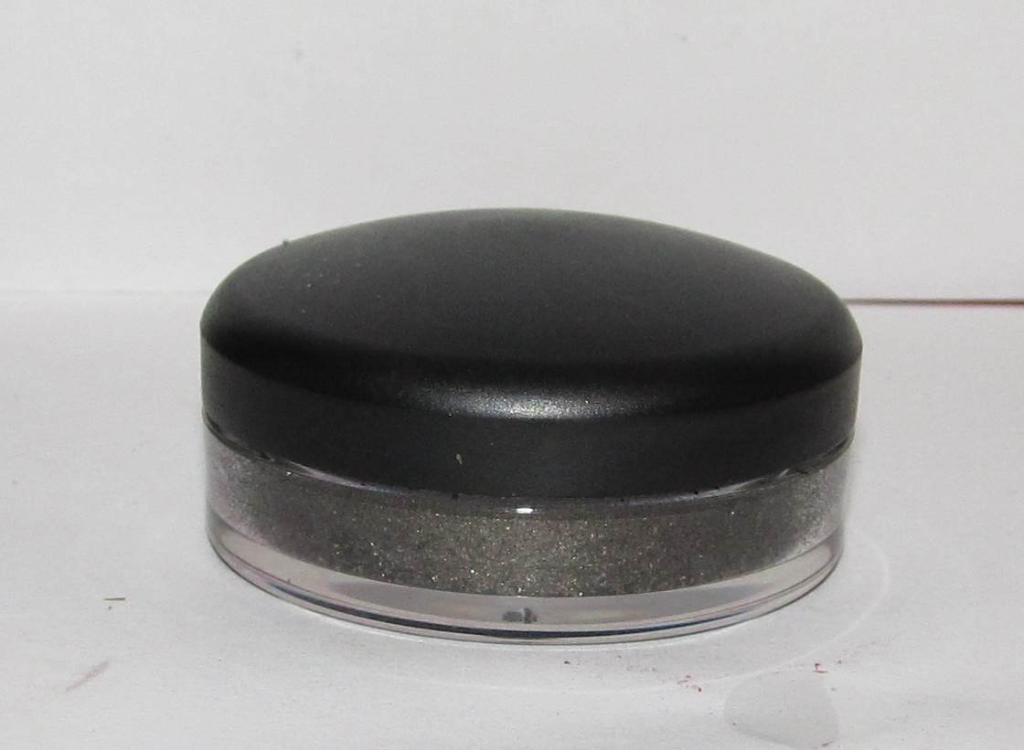 MAC - Black Ore 1/4 tsp Solar Bits Sample w/Original Jar