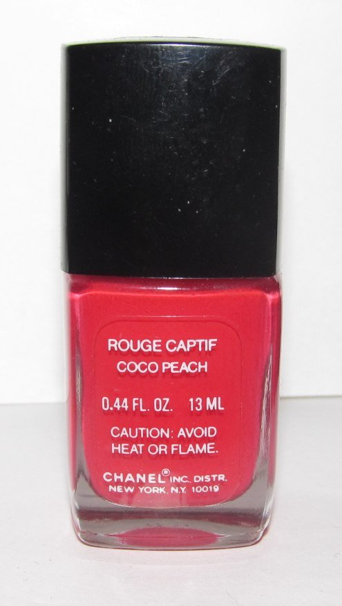 CHANEL Nail Polish Rouge Captif (Coco Peach) - NEW