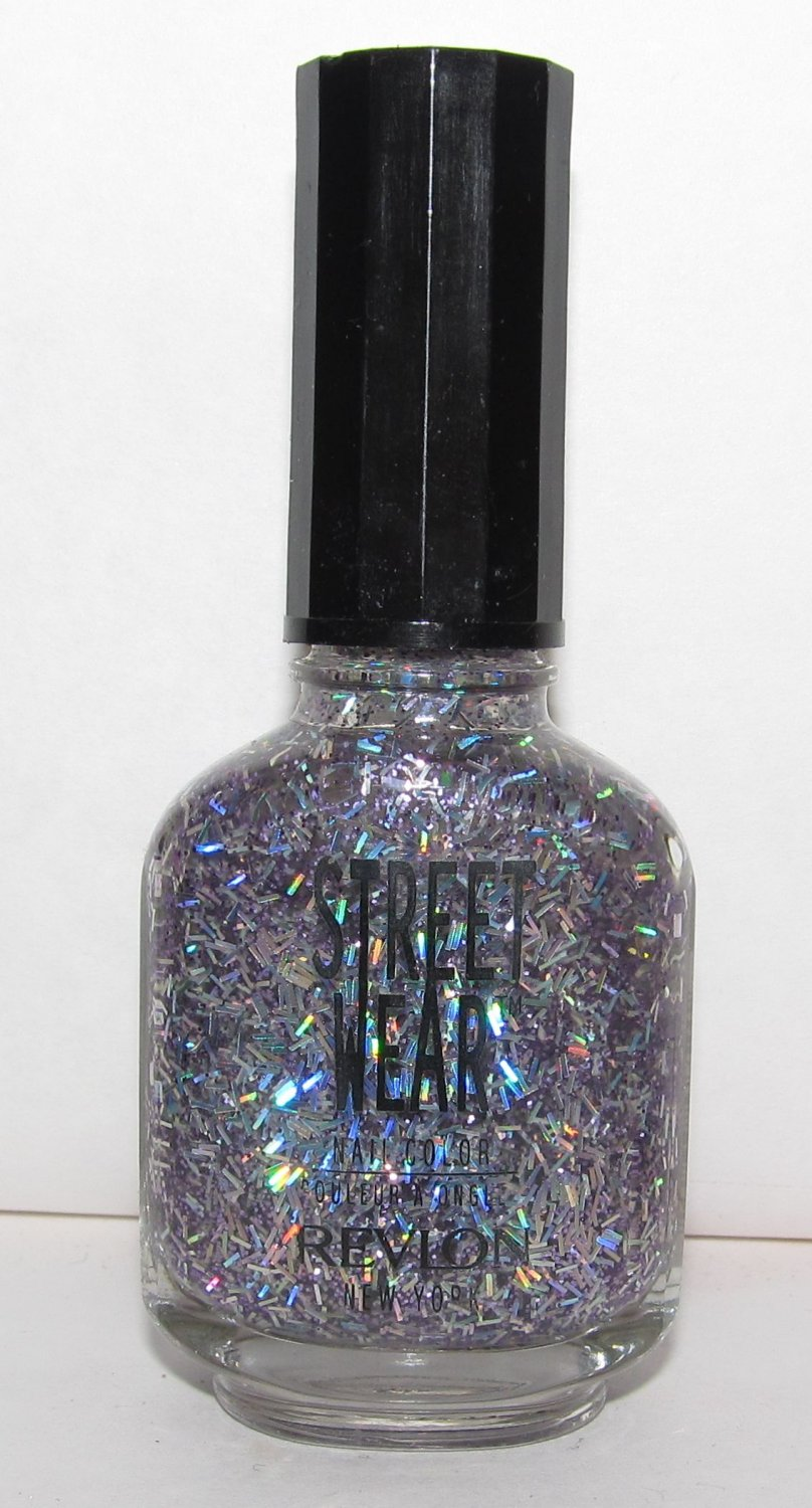 Revlon Nail Polish - Street Wear - Groovy 04 - NEW