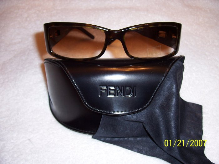 AUTHENTIC FENDI DESIGNER SUNGLASSES, TORTOISE SHELL, RET. $200