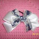 hair bow white/blue