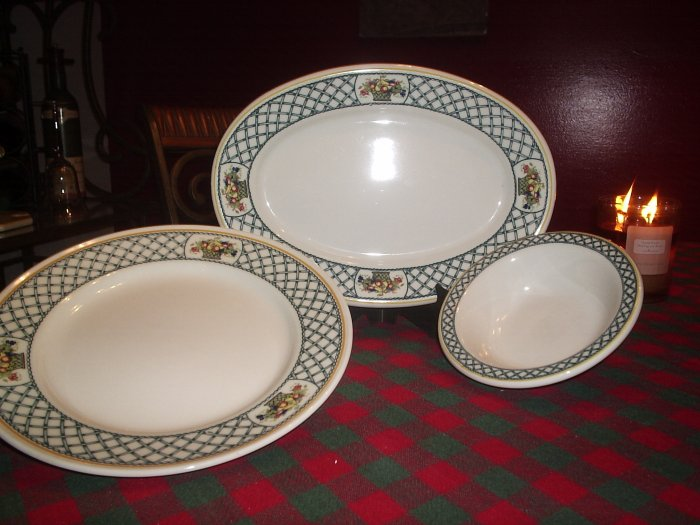 Dinner ware set