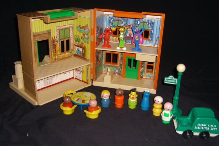 Vintage Fisher Price Playskool Sesame Street House