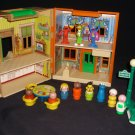 VINTAGE FISHER PRICE Playskool SESAME STREET HOUSE