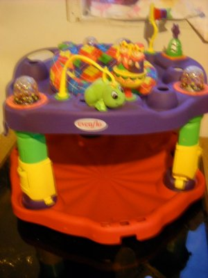 Evenflo Exersaucer Ultra Ultrasaucer King/Queen Castle