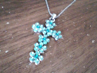 ( 4.0 cm x 2.5 cm ) Genuine Fine Green Crystal Cross Shape Pendant and 18 inch Chain