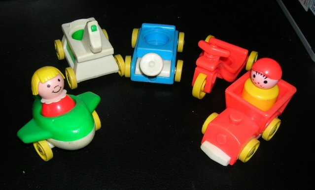 Vintage Fisher Price Little People Little Riders Playset 656