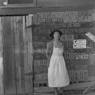 DOROTHEA LANGE PHOTO LICENSE PLATE OLD BARN WOMAN DRESS 30S CALIFORNIA VINTAGE HISTORIC UNIQUE