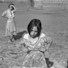 DEPRESSION GIRL DOROTHEA LANGE PHOTO HISTORIC DRESS FSA VINTAGE DRESS 1939