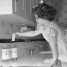 VINTAGE RECYCLING GIRL PHOTO JAR TOOTHPASTE OLD KITCHEN