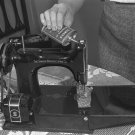 SINGER SEWING MACHINE PHOTO VINTAGE OIL SEW 1942 OLD