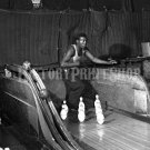 1943 BOWLING ALLEY VINTAGE PHOTO WASHINGTON DC PIN BOY