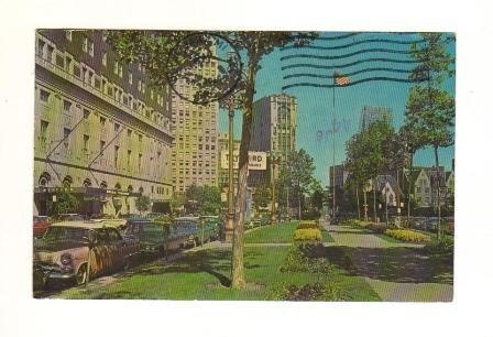 Vintage Postcard,  Washington Boulevard, Detroit Michigan, Very Good Condition