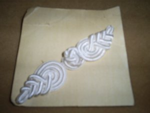 Vintage Frog Closures in white, New in package, Sewing